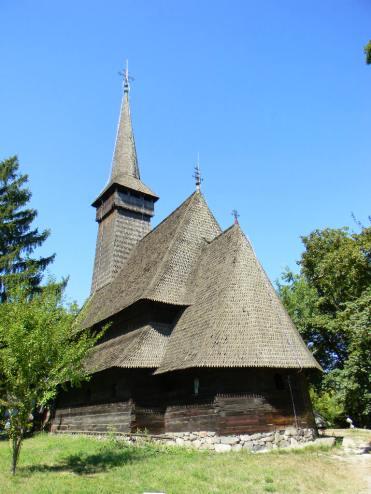 Biserică de lemn la Muzeuyl satului